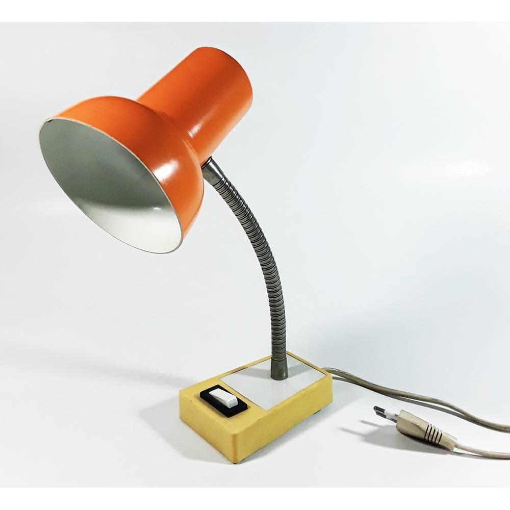 Vintage Schreibtischlampe / Lampe in trendigem 70er orange. Bild 1