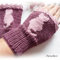 Handgestrickte Armstulpen/Pulswärmer mit Katze u. Spitze für Große - Handstulpen,Damenstulpen,romantisch,verspielt,beere Bild 3