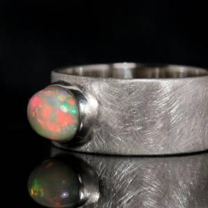 Opalring Silberring - Breiter Ring mit Top Opal - handmade Unikat - weißer Opal Bild 2