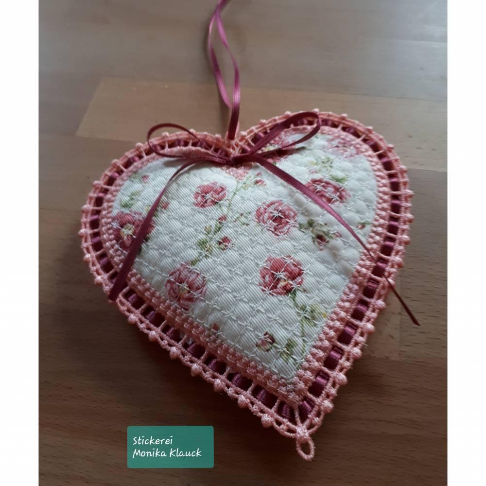 Großes  Herz, gestickt Bild 1