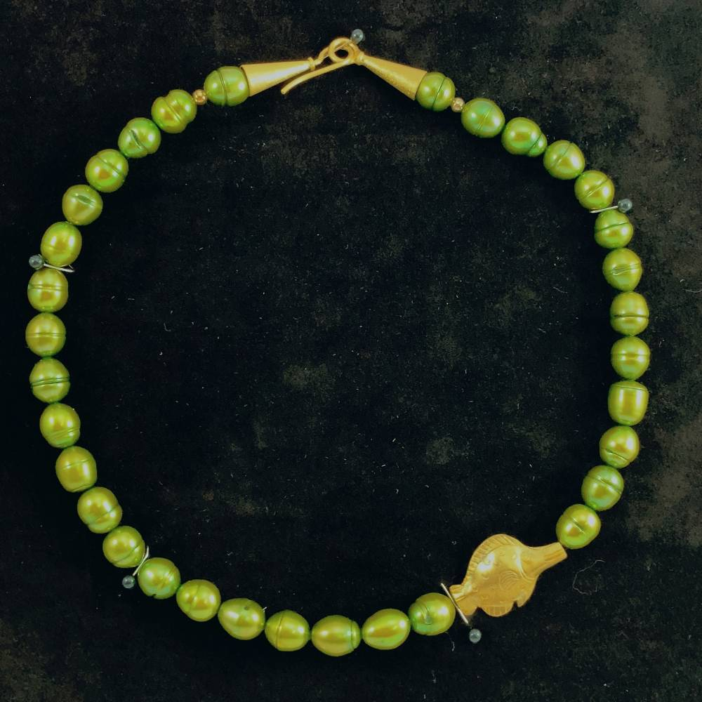 UNIKAT! echte Süßwasser Perlenkette in Grün mit vergoldetem FISCH Bild 1