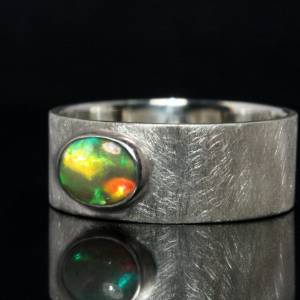 Breiter Silberring mit Top Opal - handmade - 925 Silber - Mattierter Bandring Bild 3