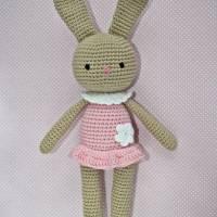 Häkelspielzeug Häkelhase Hasenmädchen Maja aus Bio-Baumwolle sand/rosa Kuscheltier Bild 1