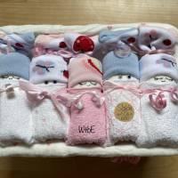 Windeltorte für Mädchen: Windelbabys in der Box, liebevolles Geschenk zur Geburt Bild 2