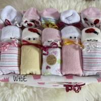 Windeltorte für Mädchen: Windelbabys in der Box, liebevolles Geschenk zur Geburt Bild 3