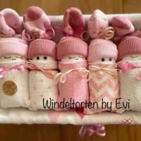 Windeltorte für Mädchen: Windelbabys in der Box, liebevolles Geschenk zur Geburt Bild 4