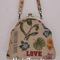 Bügeltasche LOVE in floralem Muster / Handtasche / Umhängetasche / Abendtasche / Schultertasche Bild 1