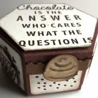 'Chocolate is the answer ...' - Perfektes Geschenk / Mitbringsel für Schokoladeverliebte Bild 4