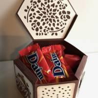 'Chocolate is the answer ...' - Perfektes Geschenk / Mitbringsel für Schokoladeverliebte Bild 6
