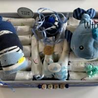 Windeltorte Wal für Junge, im Aufbewahrungskorb mit Name personalisiert Bild 2