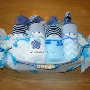 personalisierte Windeltorte für Junge: 4 Windelbabys im Tuch, Geschenk zur Geburt Bild 6