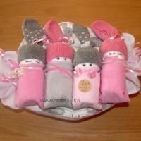 Windeltorte für Mädchen,  Windelbabys im Tuch, schönes Geschenk zur Geburt Bild 2