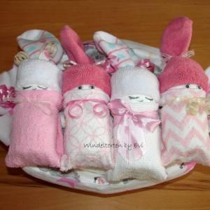 Windeltorte für Mädchen,  Windelbabys im Tuch, schönes Geschenk zur Geburt Bild 3