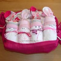 Windeltorte für Mädchen,  Windelbabys im Tuch, schönes Geschenk zur Geburt Bild 4