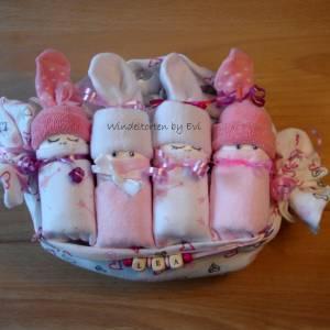 Windeltorte für Mädchen,  Windelbabys im Tuch, schönes Geschenk zur Geburt Bild 6