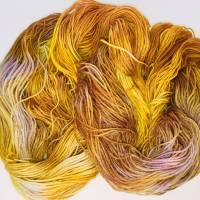 handgefärbte Sockenwolle, 100g, 4-fädig Bild 1