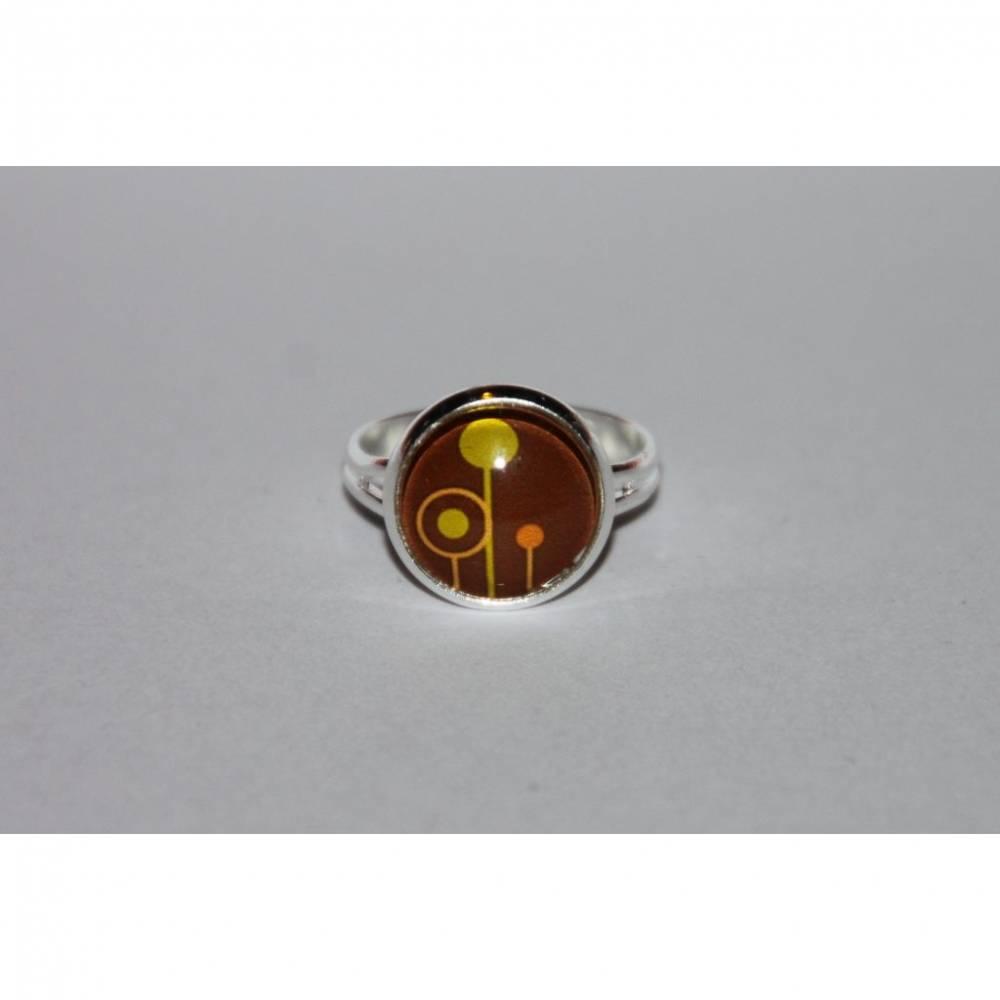 1 silberfarbener Ring Kreisblumen Bild 1