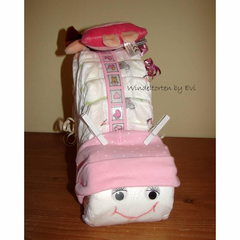 Windeltorte für Mädchen mit Mütze, Spielzeug und Body, Windelschnecke als Babygeschenk zur Geburt Bild 1