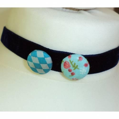 Handgemachtes Kropfband Button blau Halsband