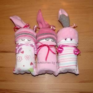 Windelbabys für Drillinge, Windeltorte zur Geburt, Zugabe zum Geldgeschenk, Geschenk zur Taufe oder Geburt Bild 3