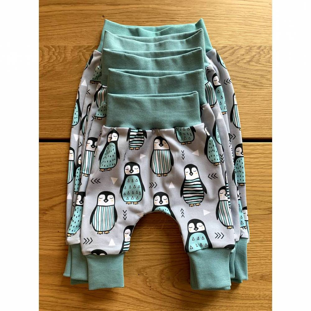 Babyhose / Baggy Pants Größen 56, 62, 68, 74, 80 Modern Jersey winterliche Pinguine türkis Bild 1