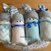 Windeltorte Junge: 4 Windelbabys im Tuch Bild 2