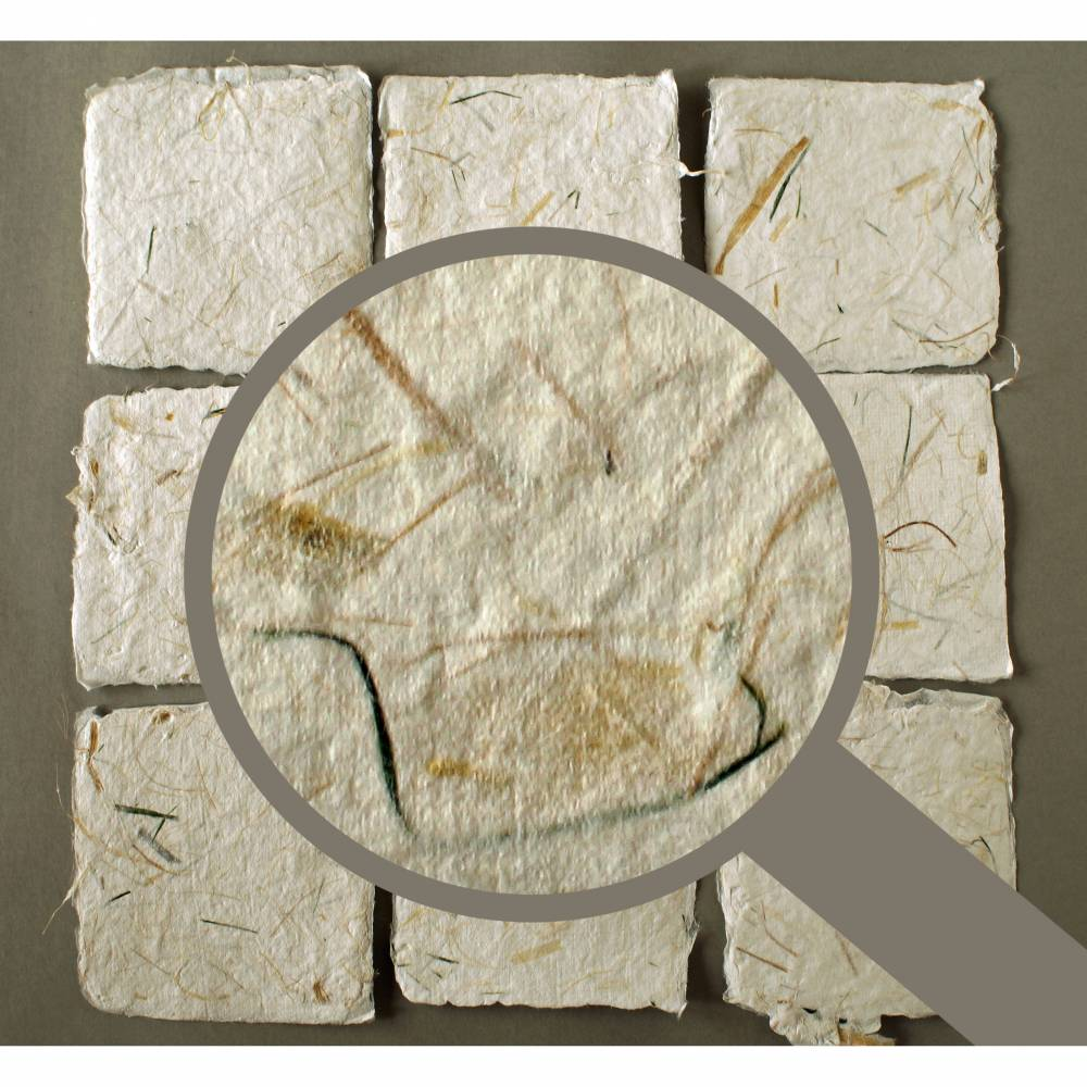 9 handgeschöpfte Kärtchen mit eingeschöpften Pflanzenfasern, ca. 10,5 cm x 10,5 cm, quadratisches Bastelpapier Bild 1