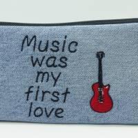 Mäppchen 'Music was my first love', Jeansupcycling, Unikat hessmade Bild 1