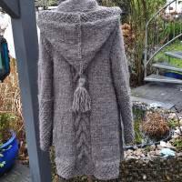 Strickmantel aus Islandwolle im Mustermix und Kapuze***M***mausgrau Bild 4