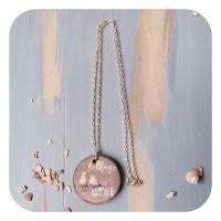 Romantische Halskette mit Betonanhänger und Möwenmotiv Bild 3