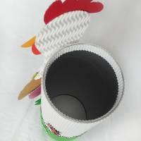 Osterhuhn mit Geschenkbox als Osterkörbchen oder Frühlingsdeko, Osternest, Fensterdeko, Tischdeko, Osterhase Bild 6