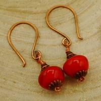 Ohrhänger rot mit Ohrhaken aus Kupfer, romantisch schlicht zierlich klein Bild 1