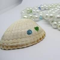 Lange Halskette mit Glasperlen und einer Herzmuschel in weiß, maritime Geschenkidee für Meerverliebte Bild 4