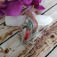 Regenbogen Anhänger in einer Perlen Drahtfassung und Quarz Kristall in Regenbogen Farben - Statement Schmuck (Einzelstüc Bild 2