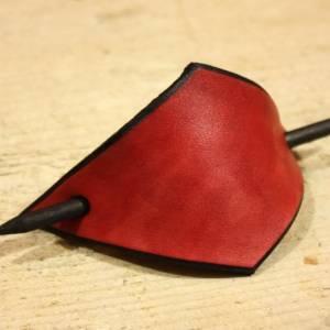 Rote Leder Haarspange, handgefertigt, mit Holzstab, Raute, rautenförmig, schlicht, minimalistisch, Hipster, retro, siebz Bild 4