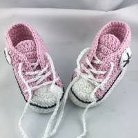 gehäkelte Babyturnschuhe in rosa mit schwarz (028) Bild 2