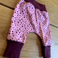 Babyhose / Baggy Pants aus tollem rosa Baumwolljersey mit kleinen Blümchen Bild 4