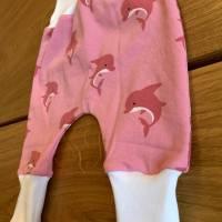 Babyhose / Baggy Pants aus tollem rosa Baumwolljersey mit pinken Delfinen Bild 3