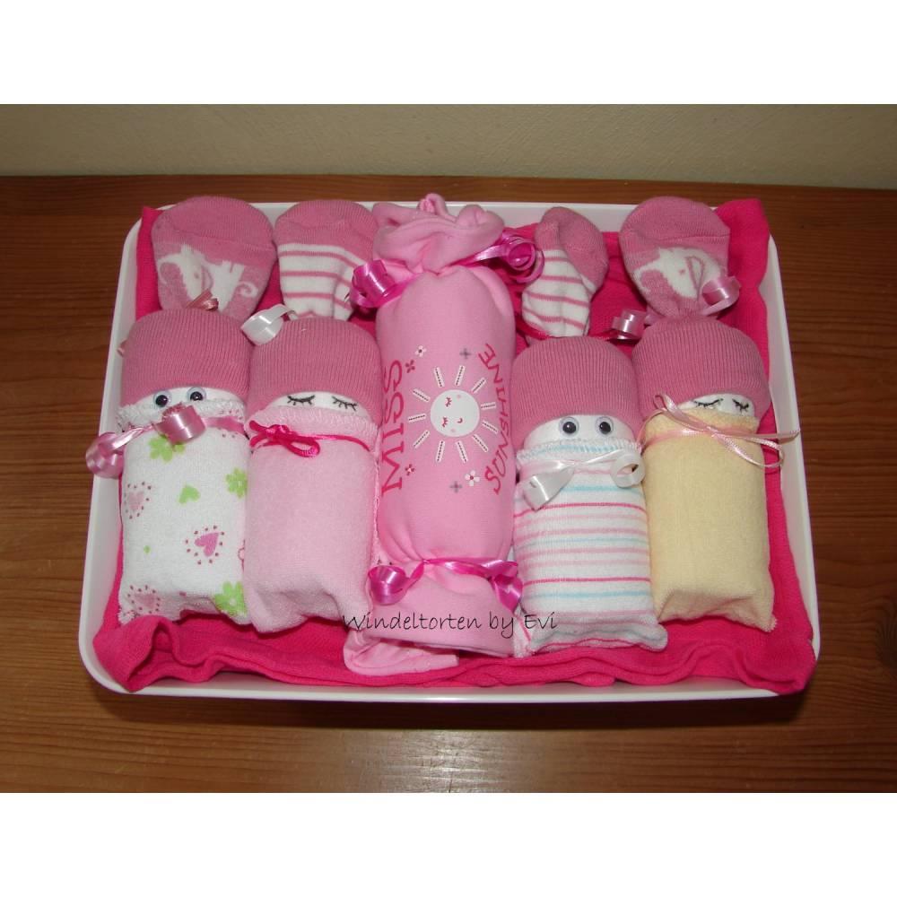 Windeltorte für Mädchen, Geschenk zur Geburt mit Body Bild 1