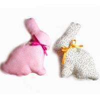 2 Osterhasen, Stoffhasen *Pünktchen rosa weiß bunt* Deko Hasen genäht aus Baumwollstoff Bild 1