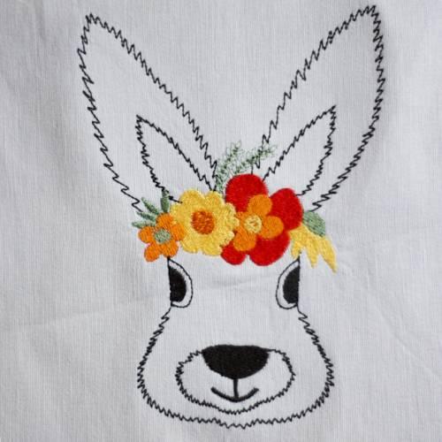 Stickdatei Hase mit Blumen