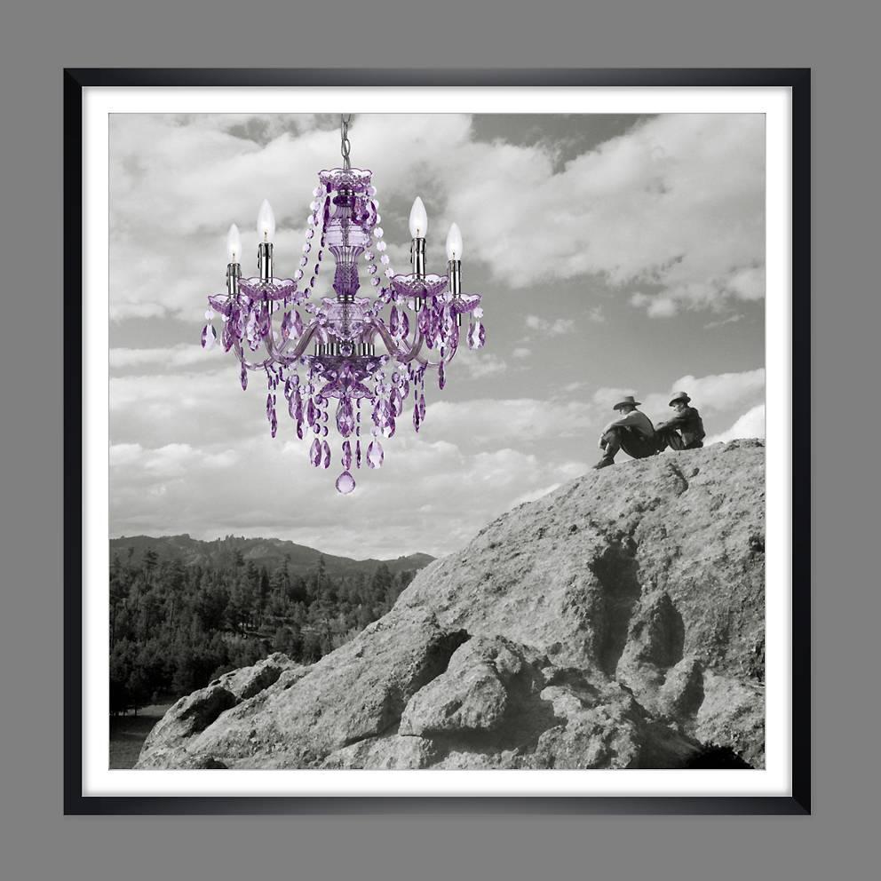 New Room - Collage mit Lüster - Männer auf dem Gipfel - Kunstdruck gerahmt 60x60 cm -  Fotokunst Bild 1