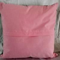 Dekoratives Kissen in Farbtönen wie Rosa, Sand, Grün schafft eine ruhige und gemütliche Atmosphäre. Kissen mit Rosenmoti Bild 3