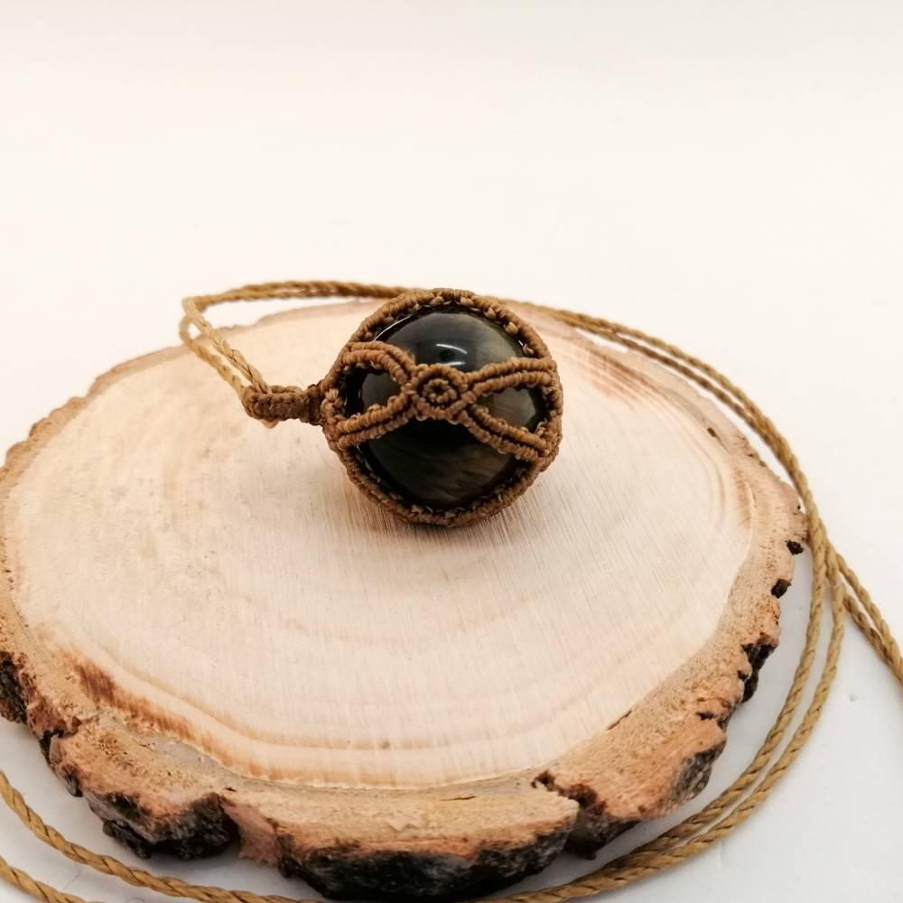Makramee-Halskette mit Falkenauge - Kugel, Valentinstags-Geschenk Bild 1