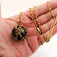 Makramee-Halskette mit Falkenauge - Kugel, Valentinstags-Geschenk Bild 2