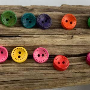 10 runde, bunt durchgefärbte Holzknöpfe * 10 mm * gelb rosa rot grün blau orange lila  * Knöpfe * Scrapbooking * Motivkn Bild 5
