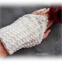 Handgestrickte Pulswärmer/Armstulpen mit Spitze für die Braut - Brautstulpen,Hochzeit,festlich,romantisch,wollweiß Bild 6