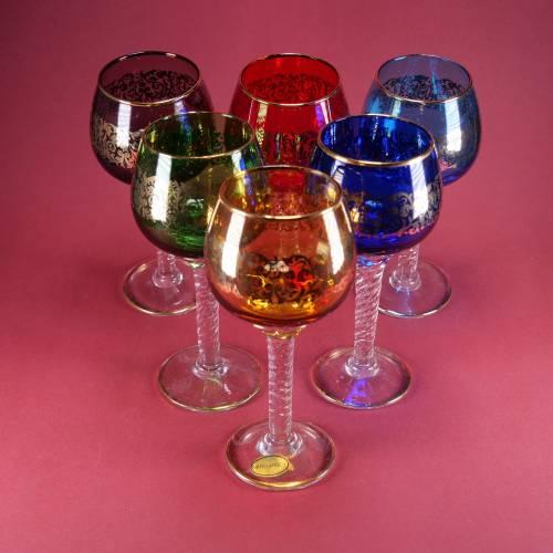 6 handgearbeitete Weingläser mit Golddekor