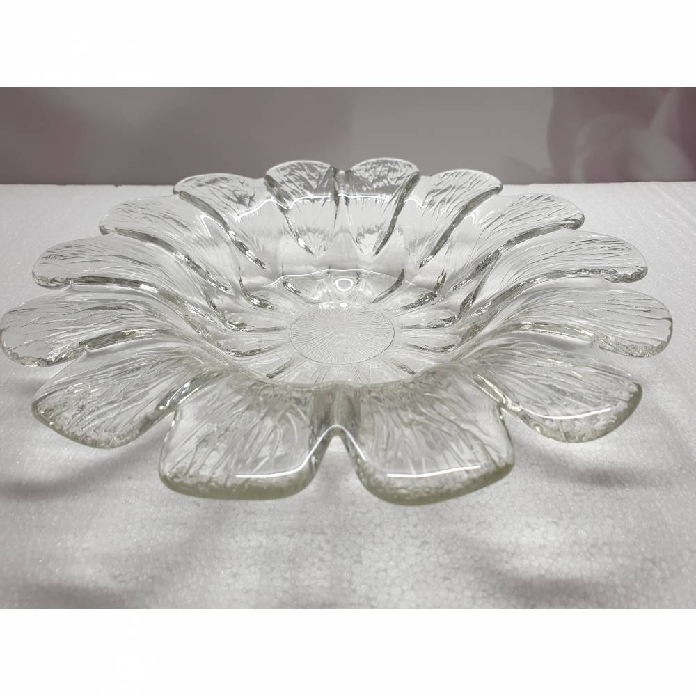 Vintage Glasschale aus den 70ern, Blütenform Bild 1