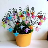 Süße kleine Blumenstecker in 11 Farben Bild 1